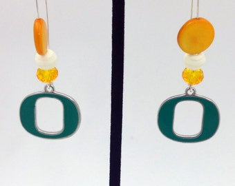 1 Pair - Oregon Theme Dangle Beaded Earrings Brass Ear wire Kidney Style EAR0034