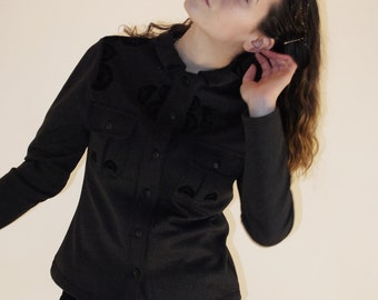Modern jacket grey and Brown, unique and handmade, fitted to the size, exclusive growing collar and black fans, two pockets
