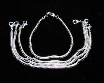 4 Silvertone Euro Style Bracelets/Child Size 15.5cm (BR3i)