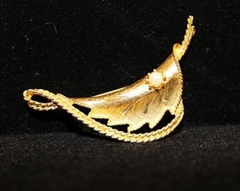 Vintage Gold Clad Leaf with Ribbon and Pearl Brooch, 313087