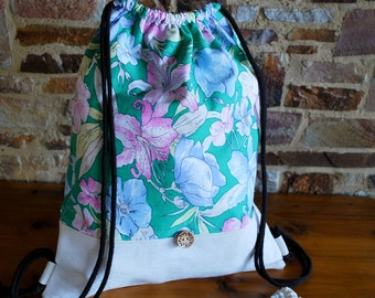organic flower bag, upcycled gymbag Upcycling gym bags, Hawaiian flowers, floral, green, pink, blue, cream
