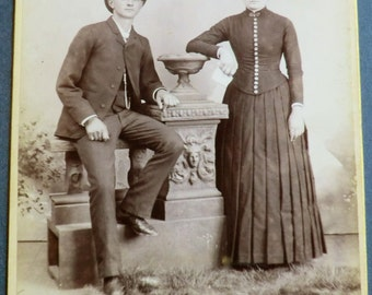 Chicago Photographer Cabinet Card Photo Young Victorian Couple Casual