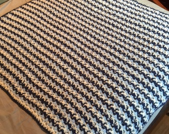 Lightweight Baby Boy Blanket- Can be made with other colors, crocheted