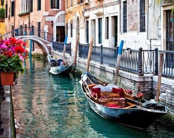 Venice Italy Canal, Italy Wall Decor, Venice Italy Print,  Venice Canal Photo, Venice Gondola Scene, Venice Art, Fine Art Photograph