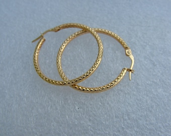 On Sale gold hoop earrings in 9 carat gold-small textures hoops in 9k yellow gold