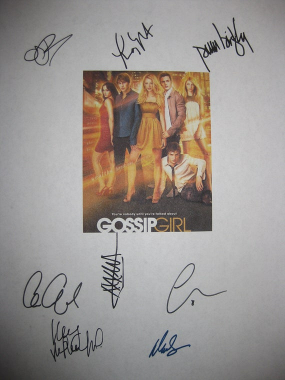 Gossip Girl Signed TV Script Screenplay X8 Autographs Blake Lively Leighton Meester Chace Crawford Penn Badgley Taylor Momsen Ed Westwick