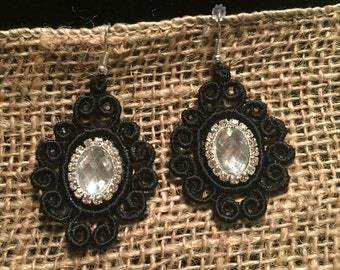 Venise Lace Earrings with Rhinestone