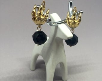 Claw earrings / Arracadas de garra