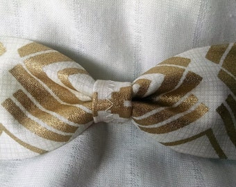 Treasure Gold and Ivory Bow w/Ivory Band