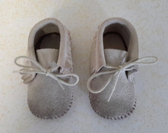 1980s Tan/grey Leather Suede Baby Girl Moccasins, size 2
