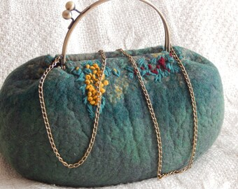 Felted hand bag with metal handle Felt bag green Felted Bag-Felted Purse-Felt handbag-Wool Bag-Art Handbag-woman handbag-natural wool Bags