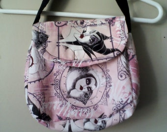 girl's purse pink villainesses print