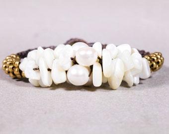 White Howlite Clusters  Bracelet- Gold Beads bracelet- Beaded Bracelet- B-42
