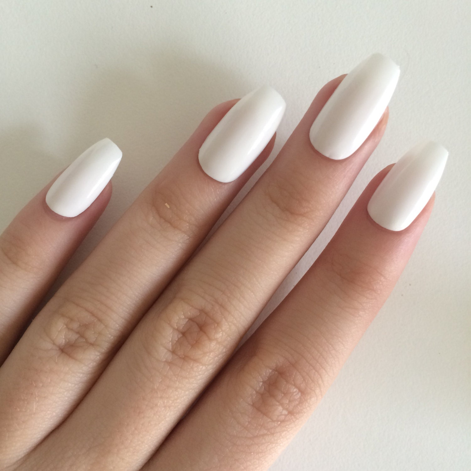 Fake Nails: Gloss White Coffin Nails Hand Painted Acrylic Nails By