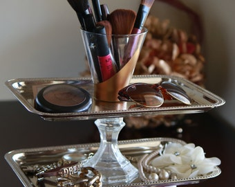 Vintage 3- tier MakeUp and Jewelry Tray