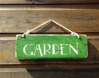GARDEN. Hand painted sign