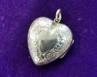 Victorian 9ct gold front and back heart locket
