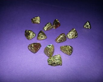 6 x 12mm Natural Gold Chips, 5 beads  (1009)