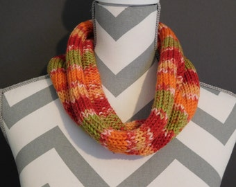Multicolor knit cowl