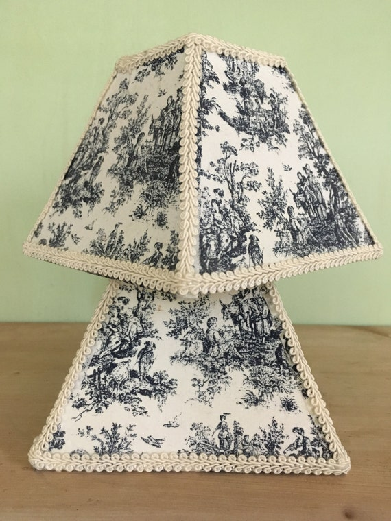 Vintage toile lampshades 1980 39 s farmhouse chic shabby chic for Toile shabby chic