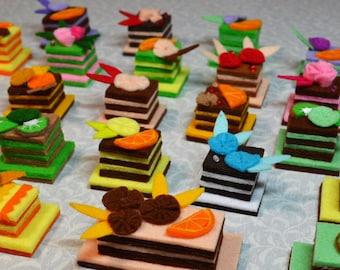 Cute felt cake Felt food Cakes for doll miniature Fridge magnet set Food for pretend play make-believe play for kids