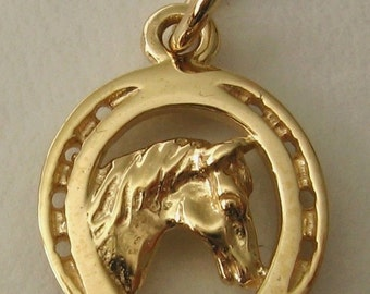 Genuine SOLID 9ct YELLOW GOLD Horse Head in Horse Shoe charm pendant