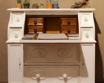 Shabby dresser with flap
