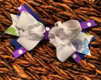 Clip in colorful bow