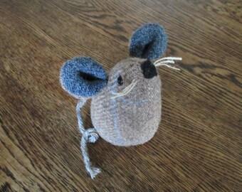 Handmade 100% Tweed mouse - Name: 'Nutmeg'