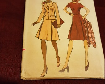1970 Vintage Vogue #8995 size 14 New