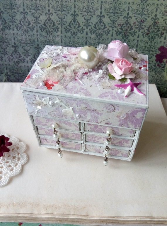 Miniature commode shabby chic style altered matchbox dresser for Commode style shabby chic