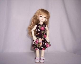 Dress type doll Bjd