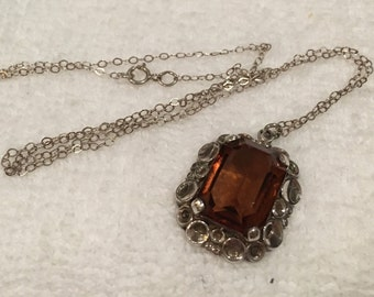 Wonderful Vintage STERLING SILVER and AMBER Glass Stone Pendant-Comes on a lovely 46cm (18 Inch) Sterling Silver Chain