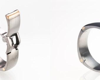 TG2 Hinged Titanium and Gold Active Mens Wedding Ring