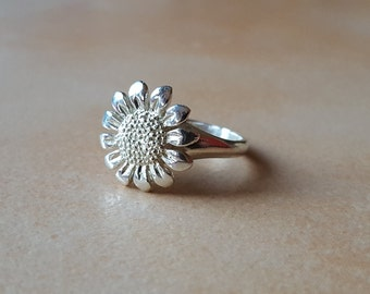 925 Silver Sunflower ring - Boho - hippie - Springtime
