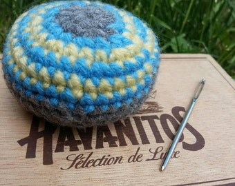 Yarn Hacky Sack / Foot Bag / Toy Ball,  Foot Sack / Indoor or Outdoor Game / Weighted Ball, Kids /Teen Game, Adult Game, Cottage Activity
