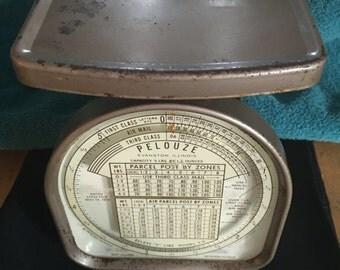 Vintage Pelouze postal scale. Evanston Illinois