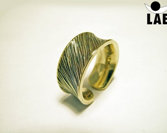 Concave hammered brass ring open