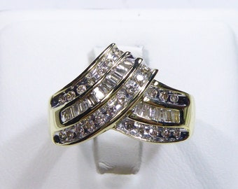 Vintage 10k yellow gold ring with 0.88ct, SI2-I Diamond, 7.25