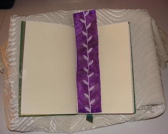 Appliqué bookmark - trade paperback or hardcover