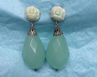 Celadon Dreamy Flower Earrings