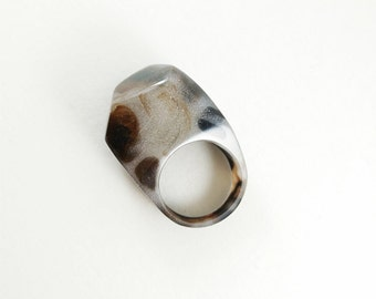 Winter colours resin ring