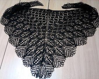 Black shawl made of cotton.