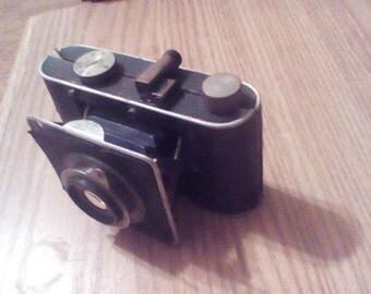 vintage 1920s Foth-Derby camera w case