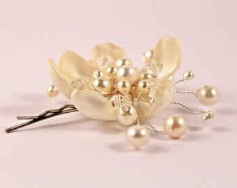 Bridal Hair Pin, Flower Girl Hair Pin, Flower Hair clip, Bridal Hair Clip, Off-White Hair Clip,Off-White Pearl Hair Pin, Bridesmaid Hair Pin