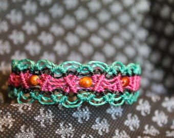 """Lace"" bracelet with seeds"