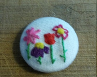 Flower hand embroidered magnet