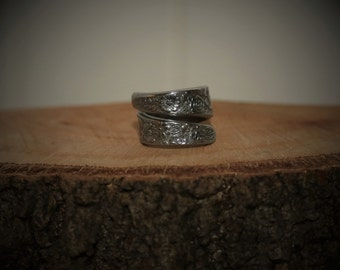Vintage Upcycled stainless steel Spoon Ring 'floral'