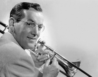 Glenn Miller American Orchestra Bandleader Big Band Swing Music Glossy B+W Photo Print Picture