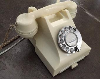 Rare Vintage Ivory Colour Bakelite Model 332 Telephone